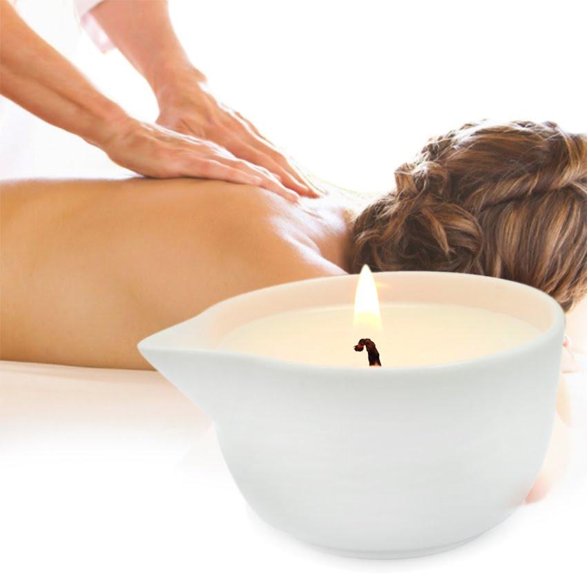 masaje con velas calientes con aromaterapia